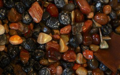 Beachcomb for Lake Superior Agates