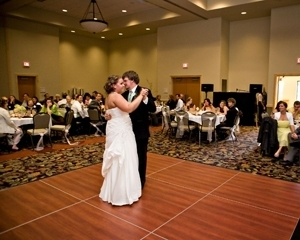 A Fall Northern Michigan Wedding At The Great Wolf Lodge