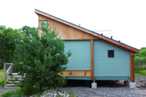 northern michigan cabins new green prefab in traverse. Black Bedroom Furniture Sets. Home Design Ideas