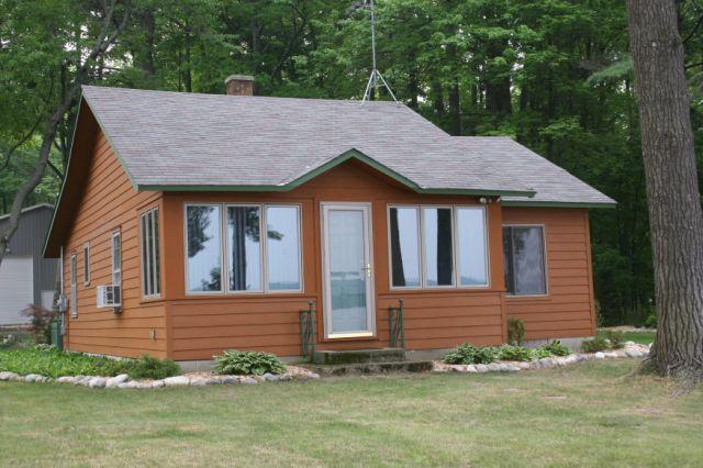 Elk lake cottage for Northern michigan cabin rental