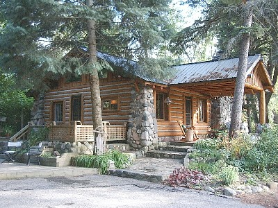 au unbelievable she resort city rentals cabins at traverse cabin lakefront rental bass gun an