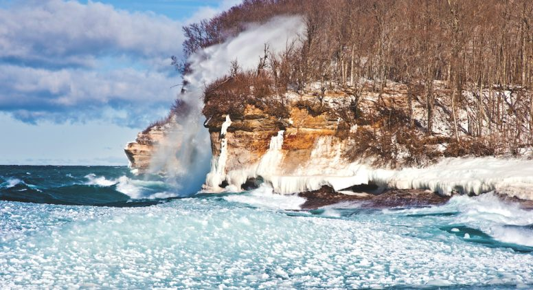 9 Gorgeous Northern Michigan Winter Vacation Ideas