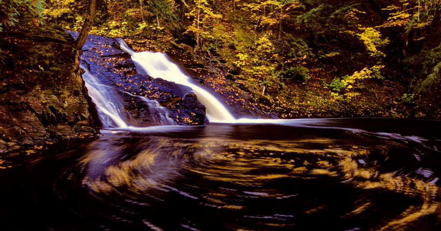Great_Lakes_Photo_Tours_Oct_Slate_River_Falls_with_eddy_autumn_Baraga_Co._MI_markscarlson.com_resize