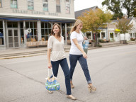 Leland_gal_ladies_crossing_street_in_Leland