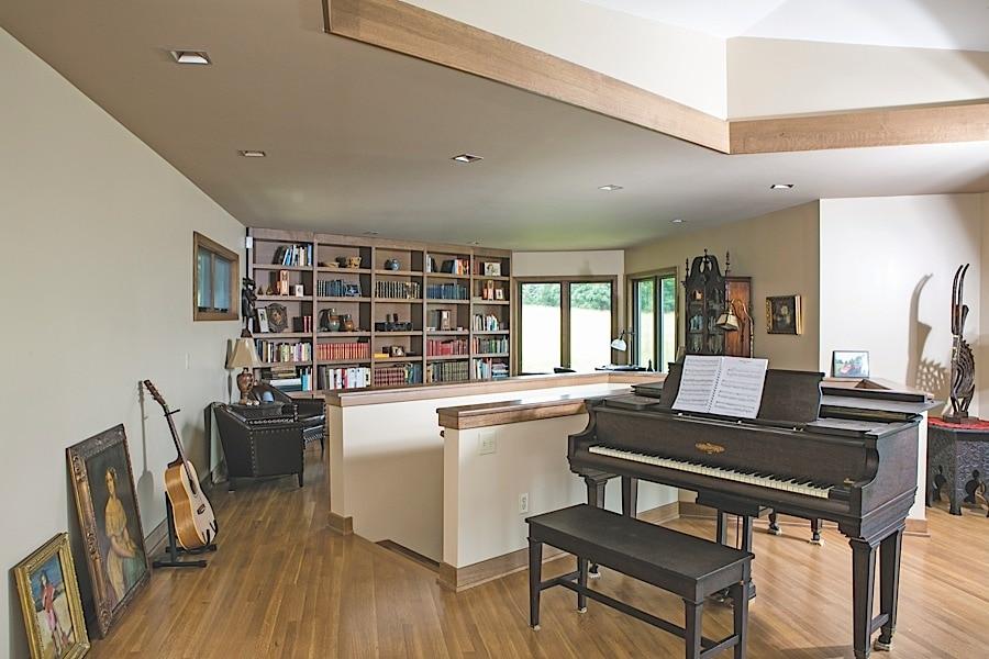Frank Lloyd Wright Inspired Home Near Cross Village