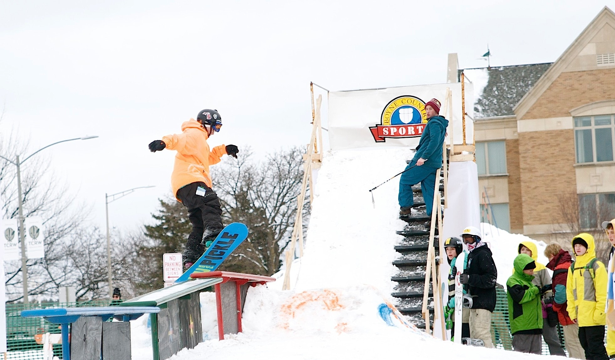 Northern michigan festivals in winter for Craft shows in traverse city mi