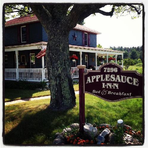 Applesauce Inn