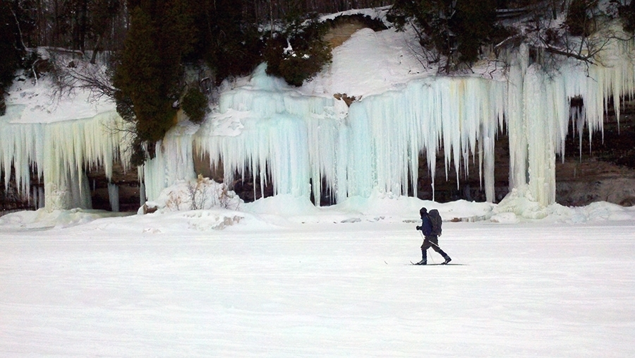 icefalls_picturedrocks