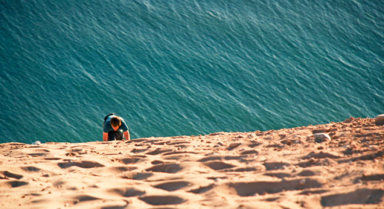9 Essential Sleeping Bear Dunes Attractions & Activities