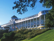Mackinac Island Hotel Packages