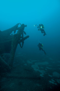 Divers exploring the Spangler
