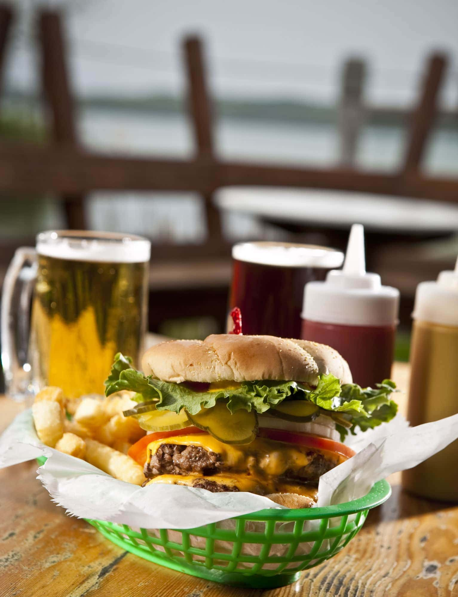 burger_on_deck_Top_10_Restaurants_with_A_View