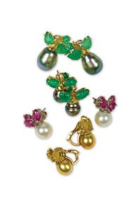 pearl-earrings!