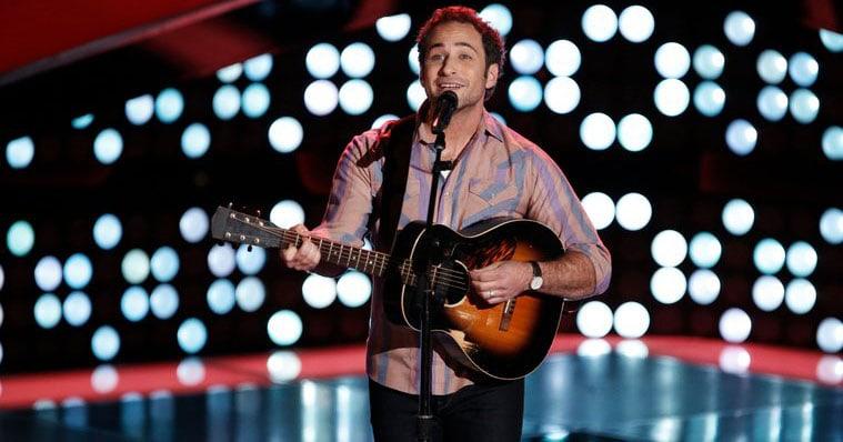 Joshua Davis the voice contestant