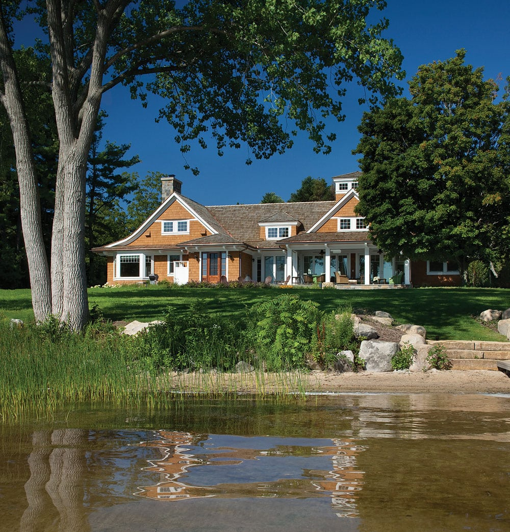 Colorful Lake Michigan Cottage: A Relaxed Bear Lake Cottage