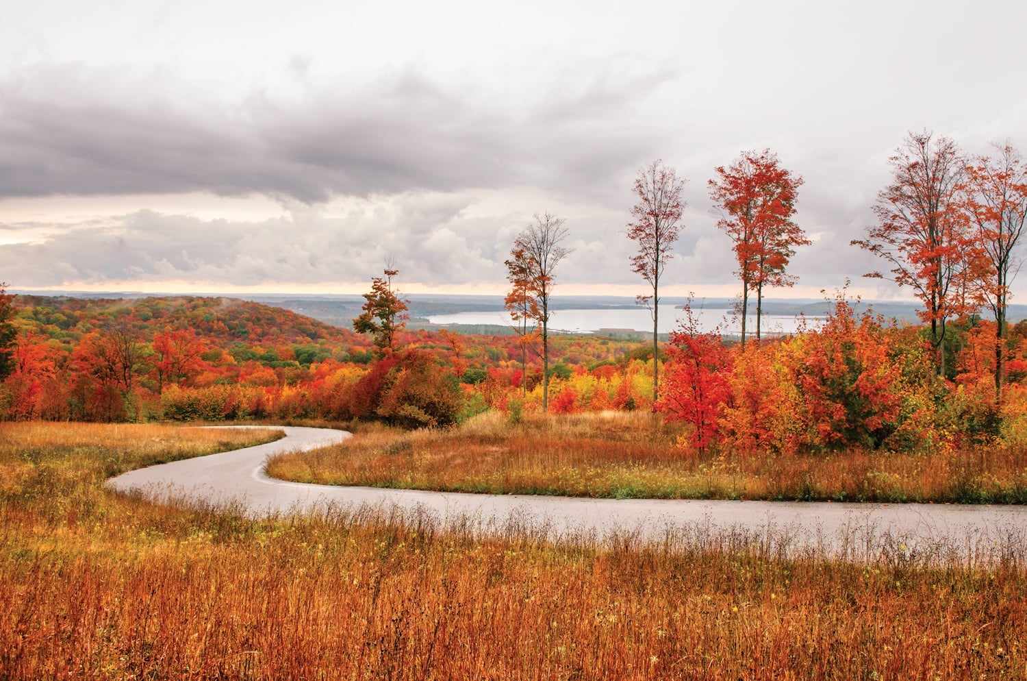 5 Places To See Northern Michigan Fall Color