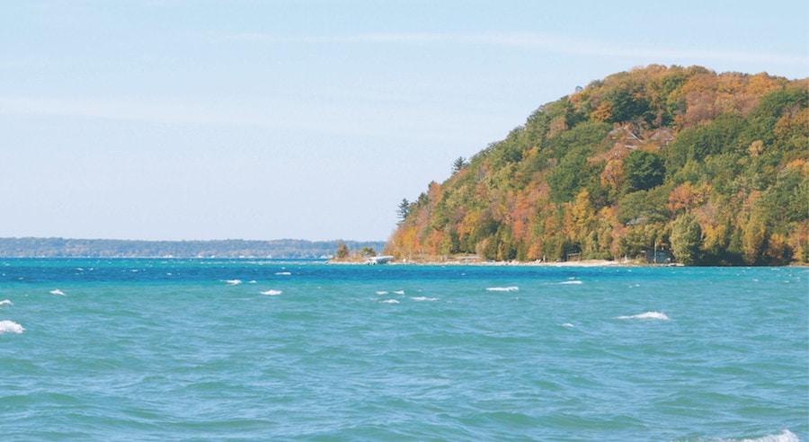 10 Vistas on a Northern Michigan Fall Color Tour