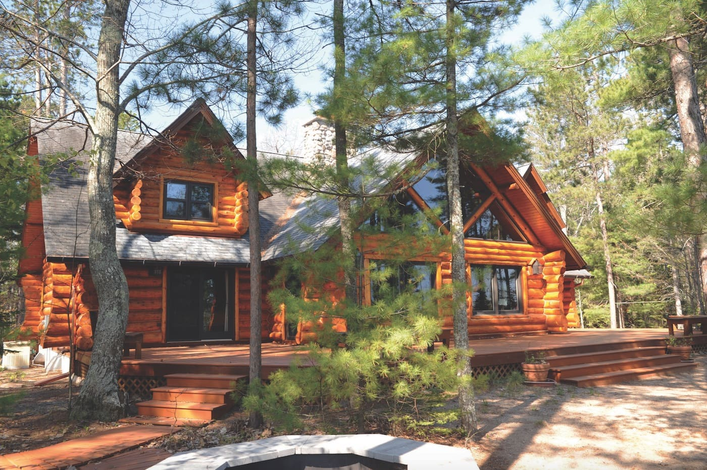 9 Northern Michigan Waterfront Real Estate Homes