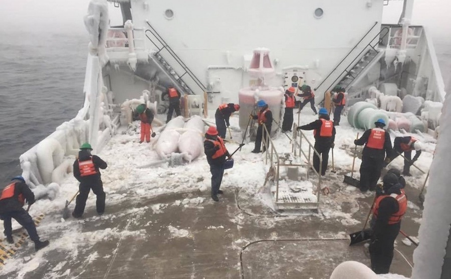 coast guard ice breaking great lakes