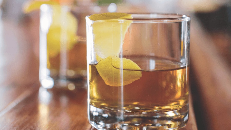 photo-by-courtney-michalik-kent-_-traverse-magazine-_-winter-whiskey-_-the-parlor