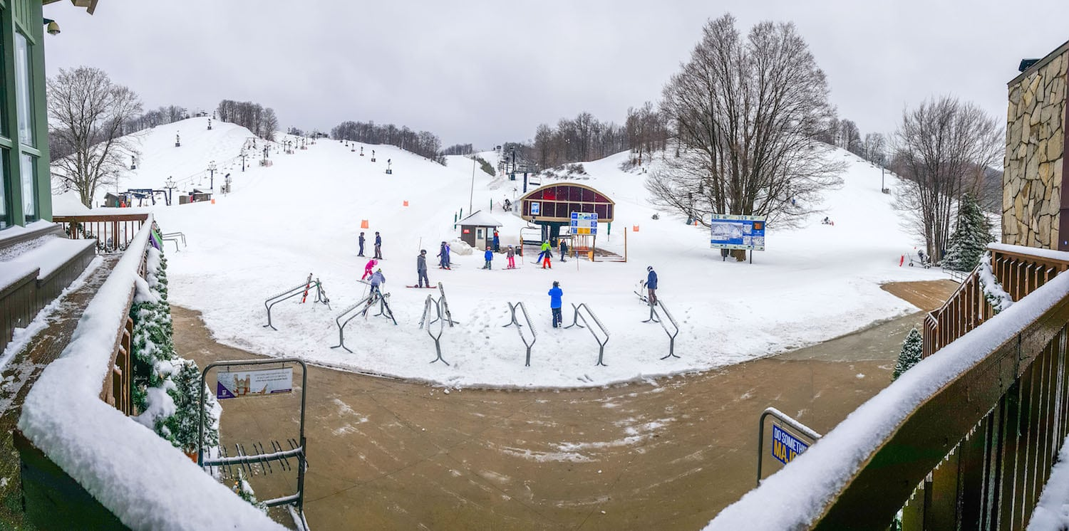 there's still snow! march skiing in northern michigan (best events +