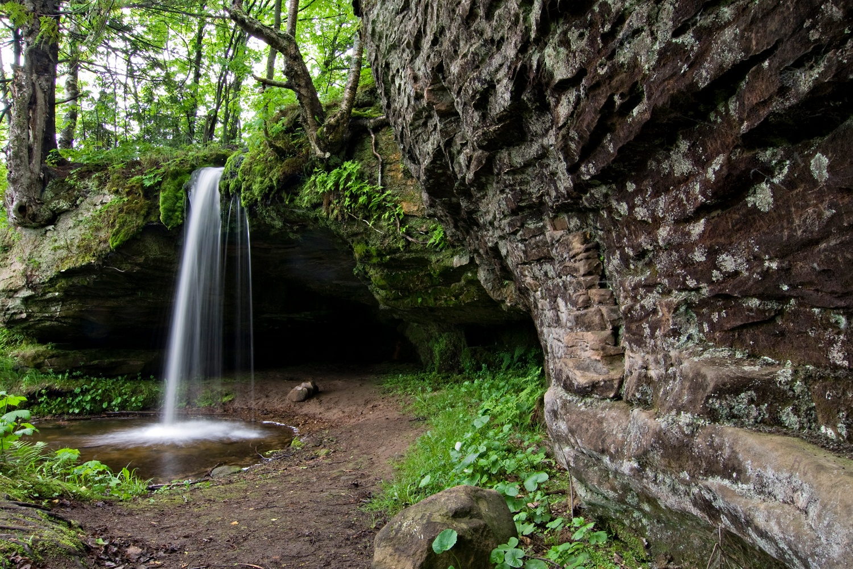 upper peninsula waterfalls