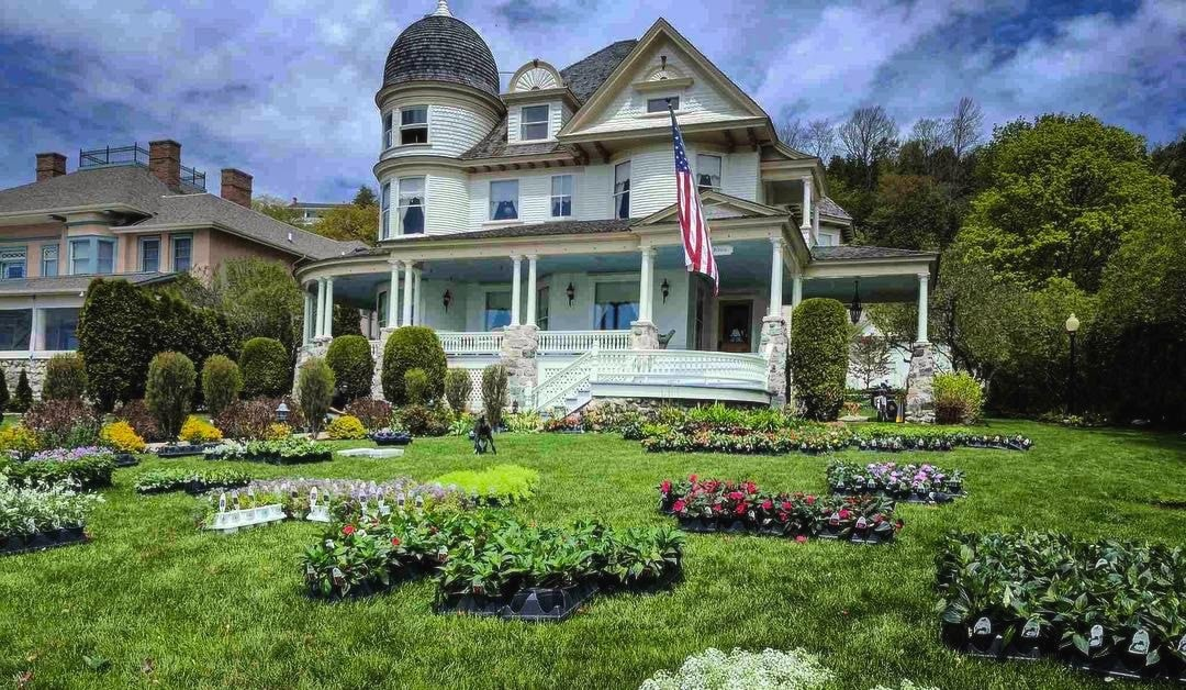 landscapers in northern michigan
