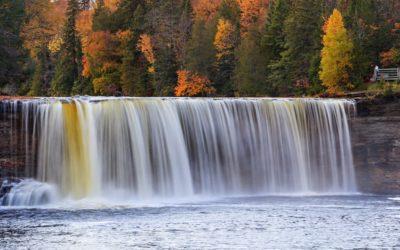 3 Ways to Explore Tahquamenon Falls