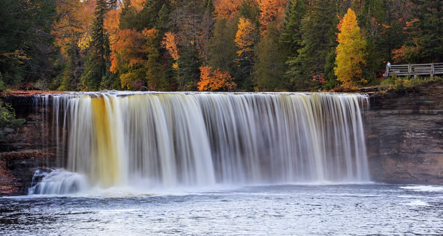 3 ways to explore tahquamenon falls for Cabins near tahquamenon falls