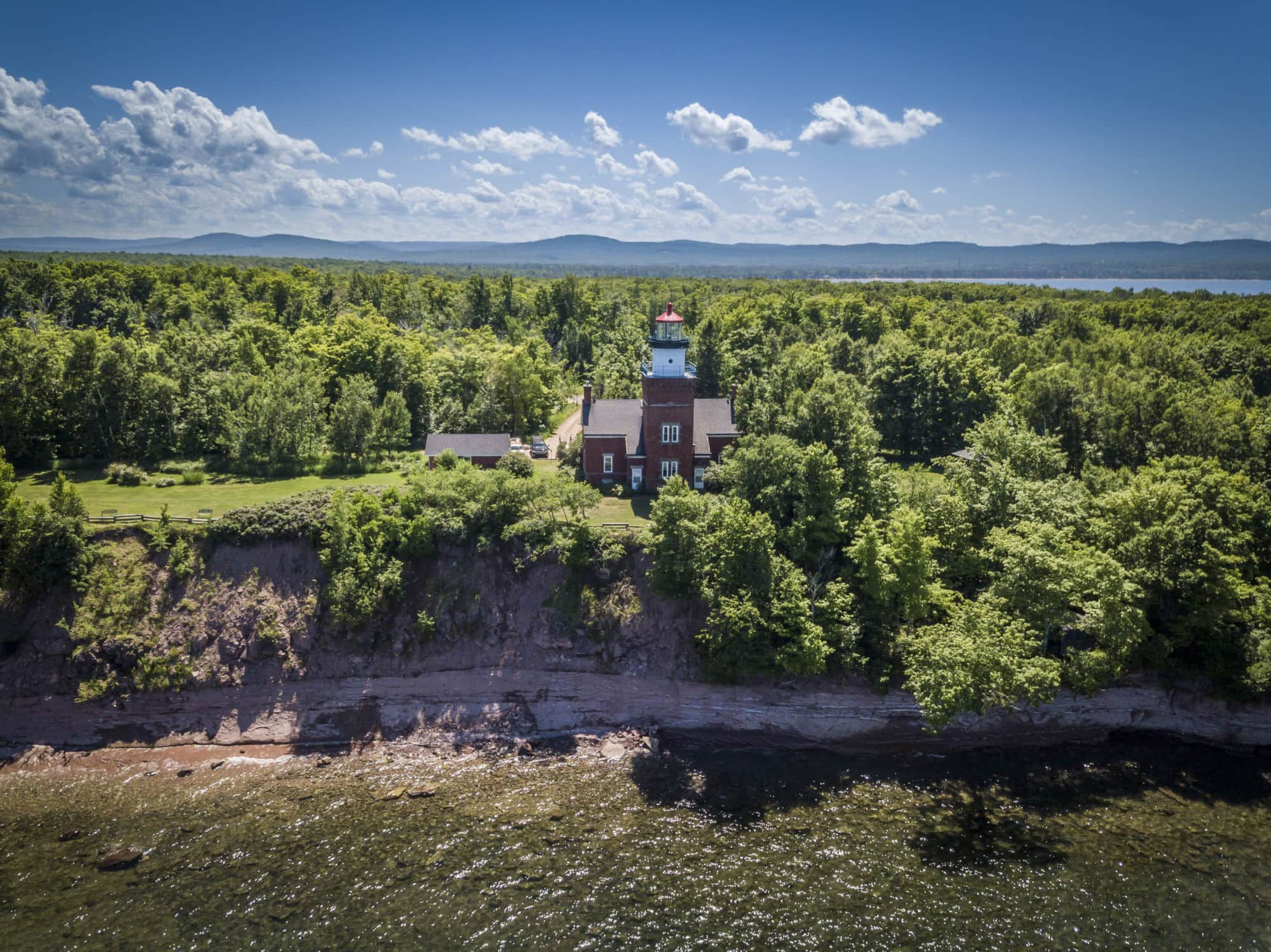 Excellent 5 Beautiful Marquette Lighthouses To Visit Along The Lake Download Free Architecture Designs Rallybritishbridgeorg