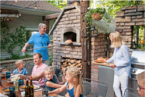 outdoor kitchen, outdoor oven, outdoor dining, family dining