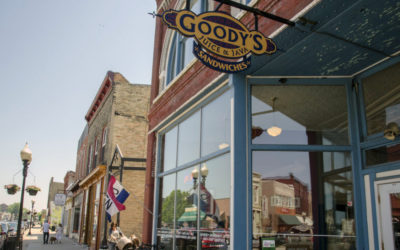 Your Guide to Manistee Restaurants, Taverns, Bars, Cafes & More