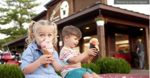 moomers, ice cream, traverse city, kids eating ice cream