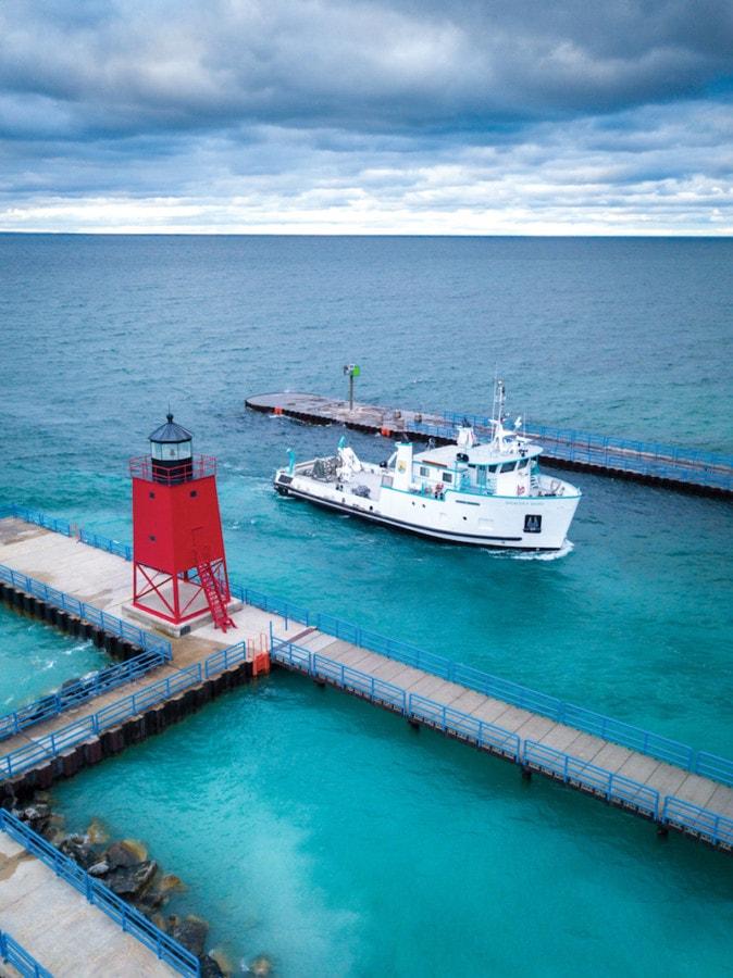 TVM 1020_Charlevoix Lighthouse_Dave Weidner
