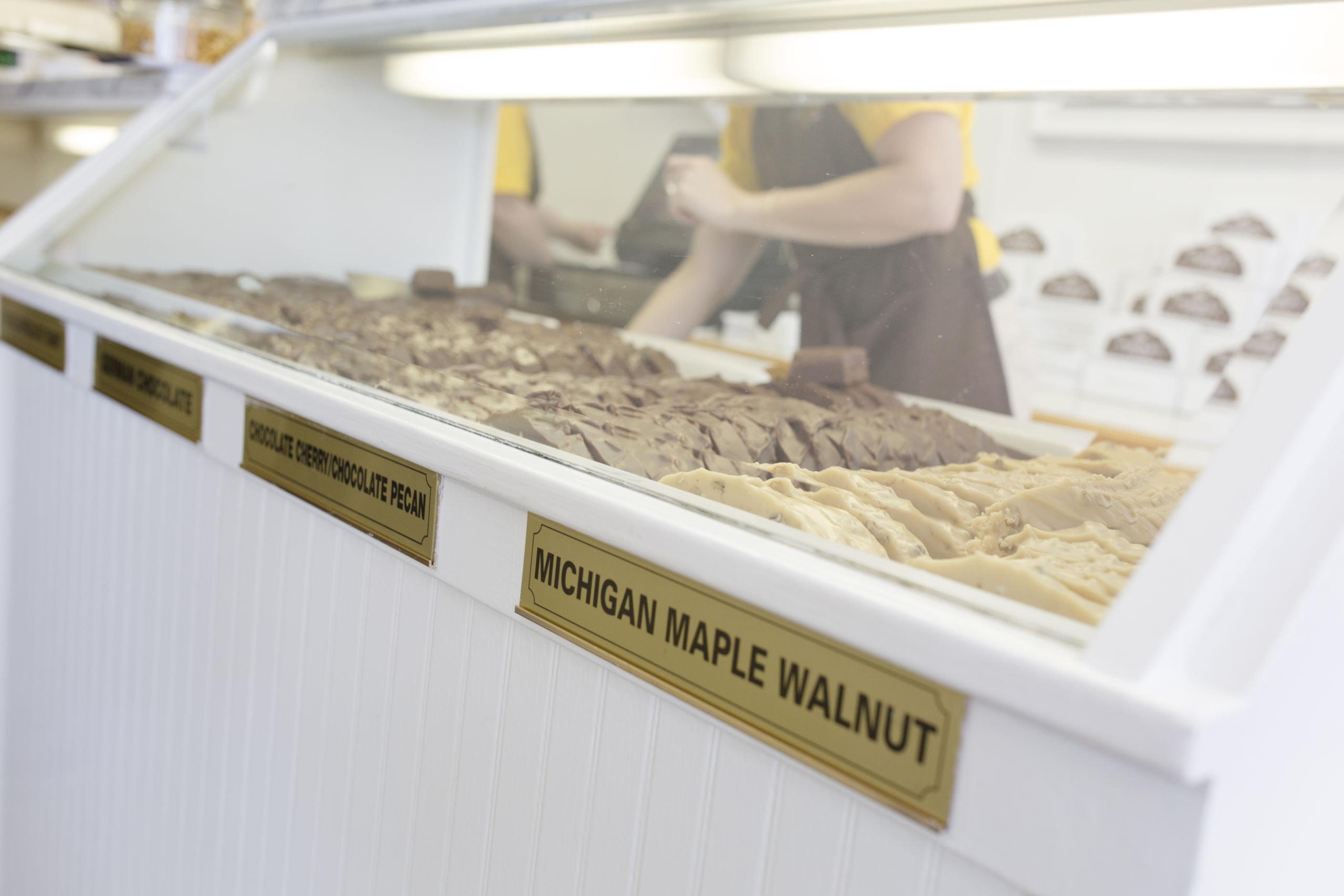 michigan maple fudge, mackinac island, murdick's fudge, fudge shop