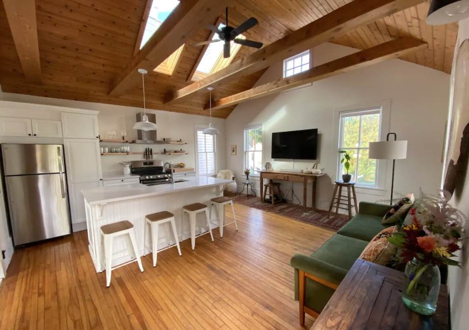 The Birds Nest Airbnb in Harbor Springs