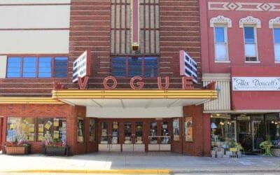Crowds Return to Manistee's Vogue Theatre