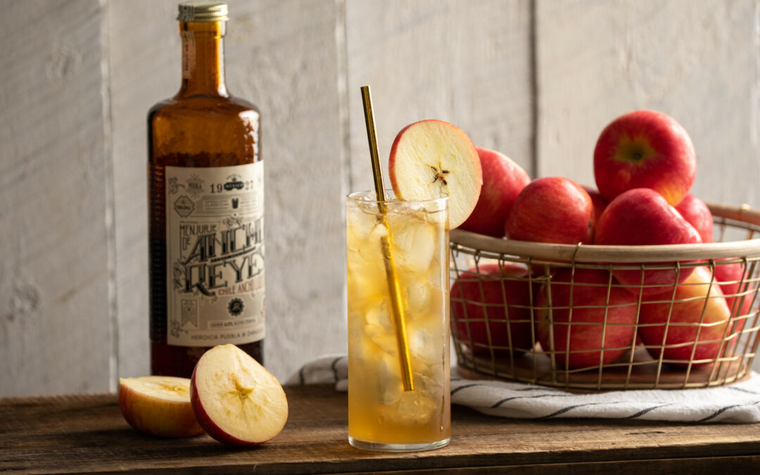 September's Last Call Cocktail: The Spicy Whiskey Cider Collins